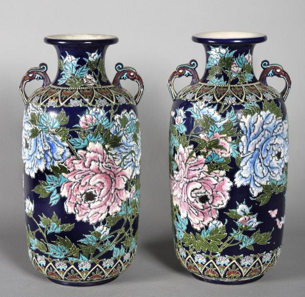 Large pair of 19th century vase, flower decor