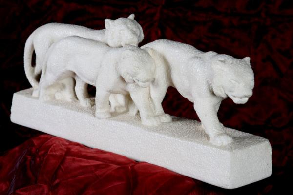 Eggshell Tigers, Art / Deco, 1925, 53 cm long