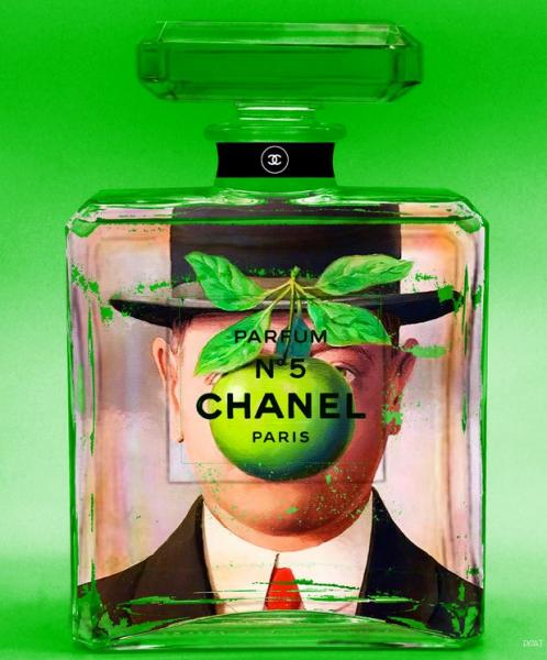 "Collection "" Chanel Autrement"" / Hommage à Magritte / Green Man"
