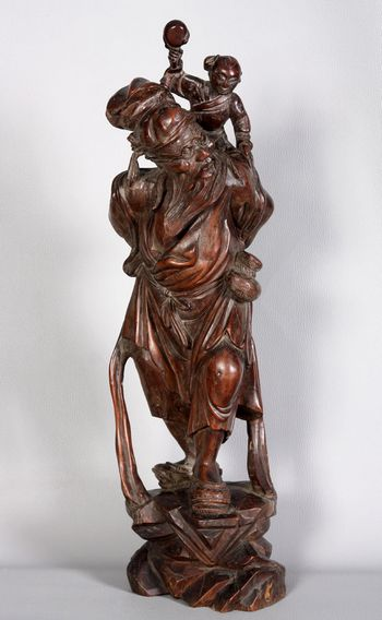 Large Chinese wooden sculpture from the 19th
