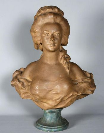 Terracotta of Marie Antoinette, signed: L.Clausade 1862-1899, 19th