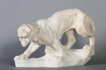 Panther in white marble, period: late nineteenth, 40 cm